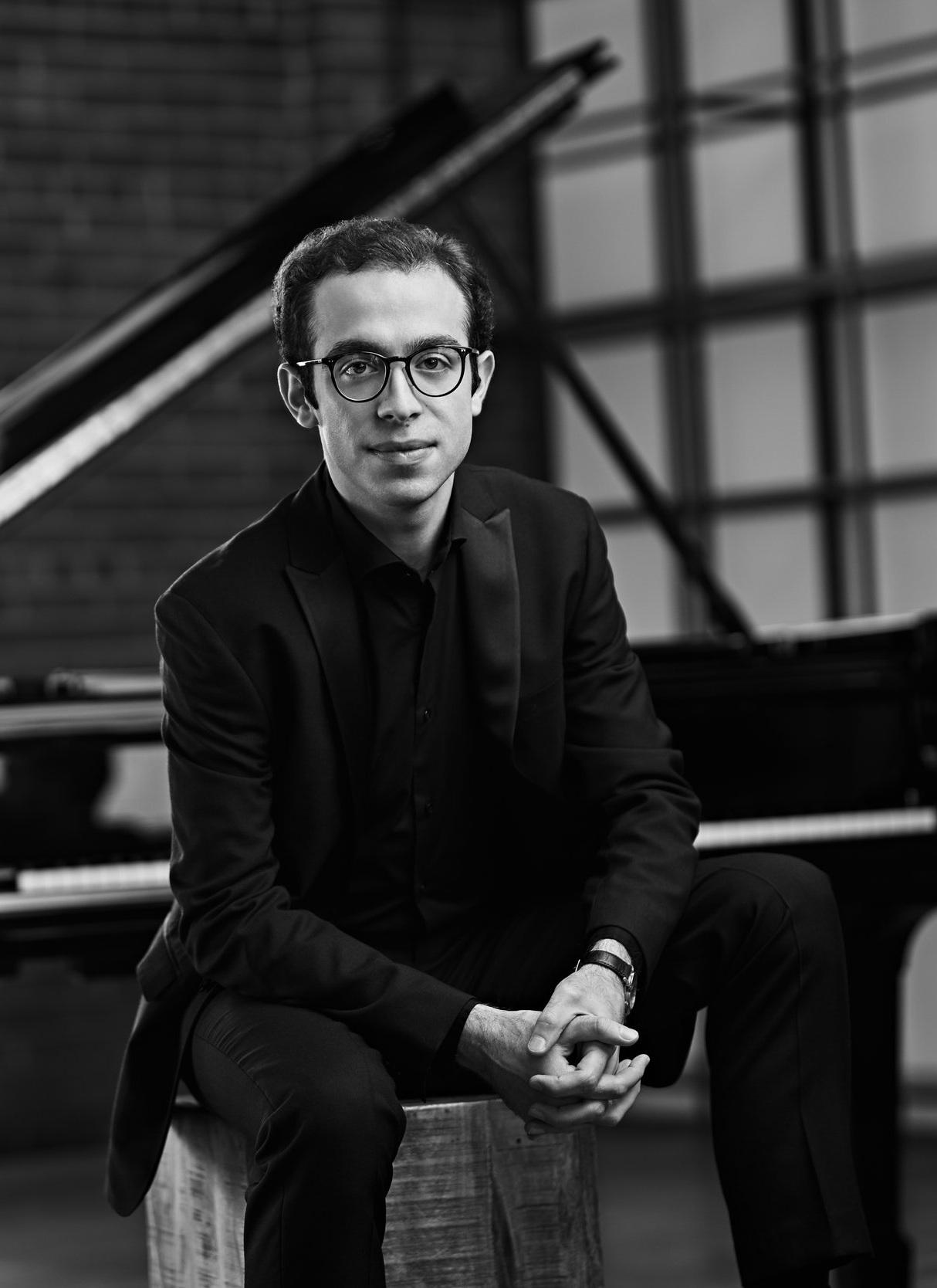 BOWEN Fragments from Hans Andersen, Opp. 58 and Op. 61 - Nicolas Namoradze, piano