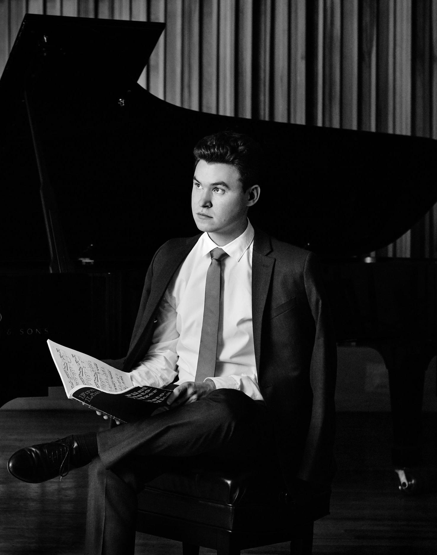 BRAHMS Three Intermezzi, Op. 117 - Matthew Graybil, piano