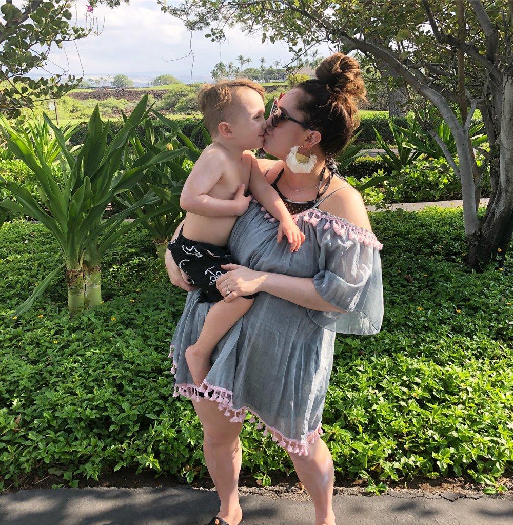 hawaii kisses.jpeg