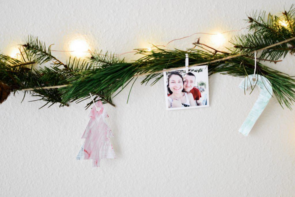 Holiday Wall Decor DIY - Noodoso
