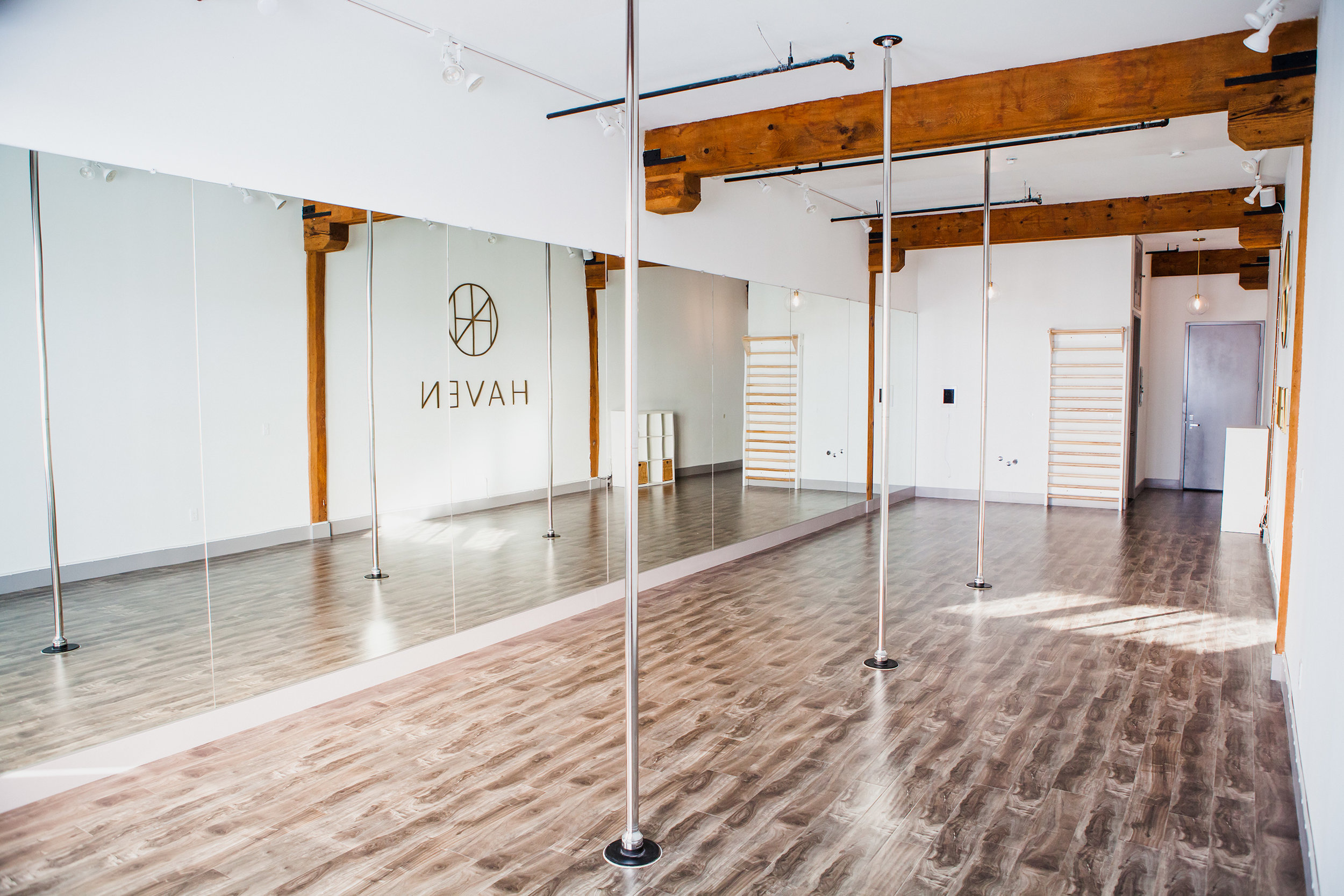 Haven rental for pole, dance, fitness and photography