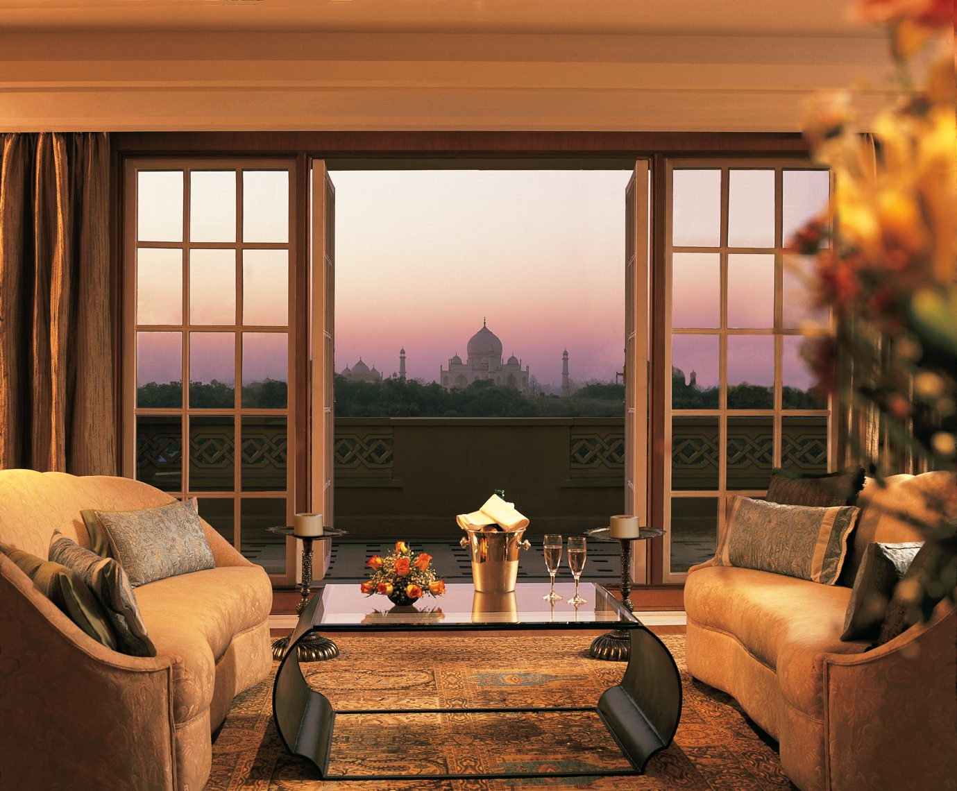 009-The Oberoi Amarvilas, Agra - Kohinoor Suite Living Room Balcony.jpg