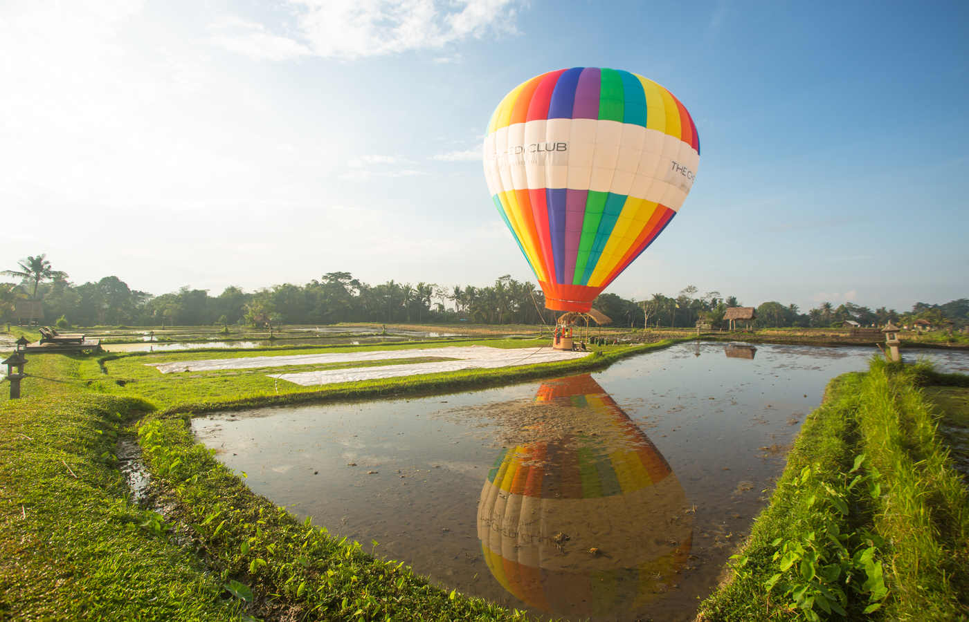 Hot Air balloon - water reflection-1.jpg