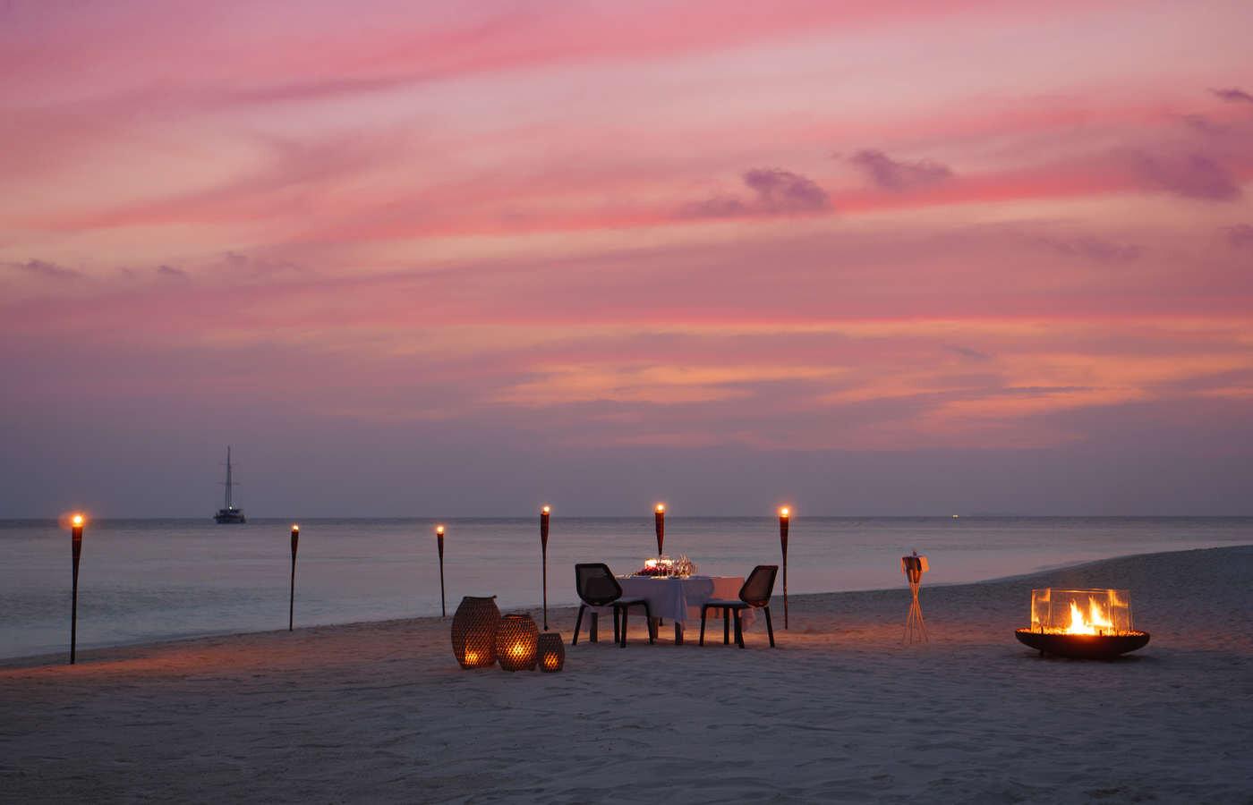 Beach Dining (1).jpg