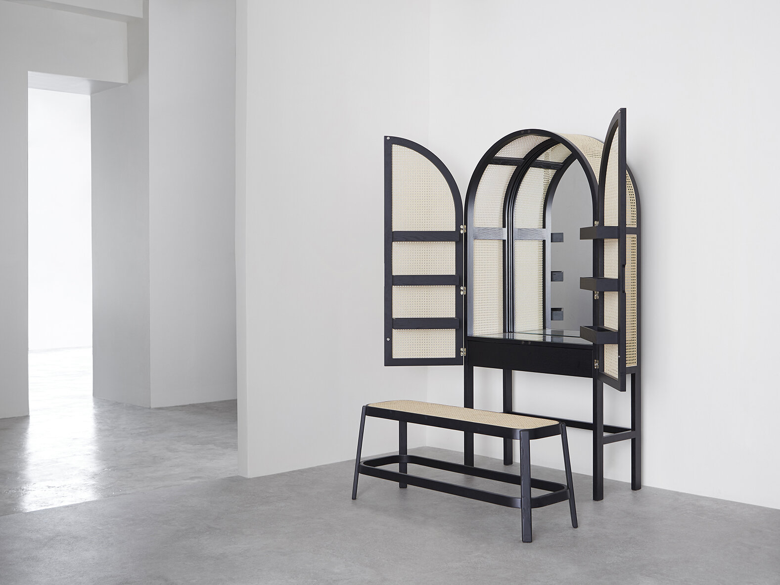Cane Dresser - 01