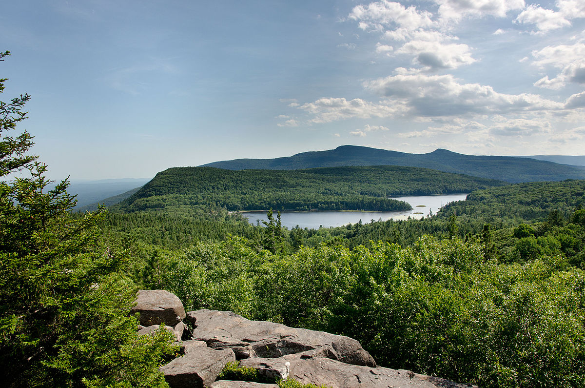 2012_July_06_North-South_Lake_from_Sunset_Rocks.jpg