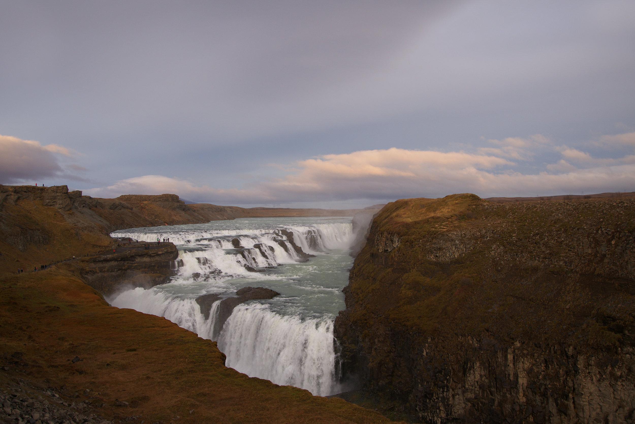 Iceland_Huge_Waterfall.jpg
