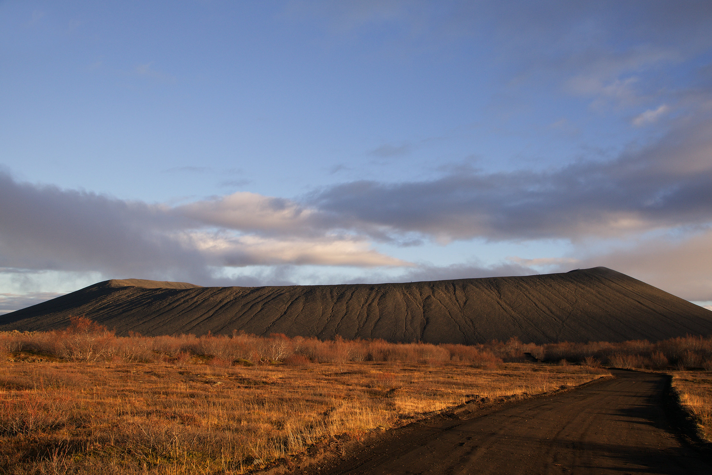 Iceland_Volcano_Big_Crater.jpg