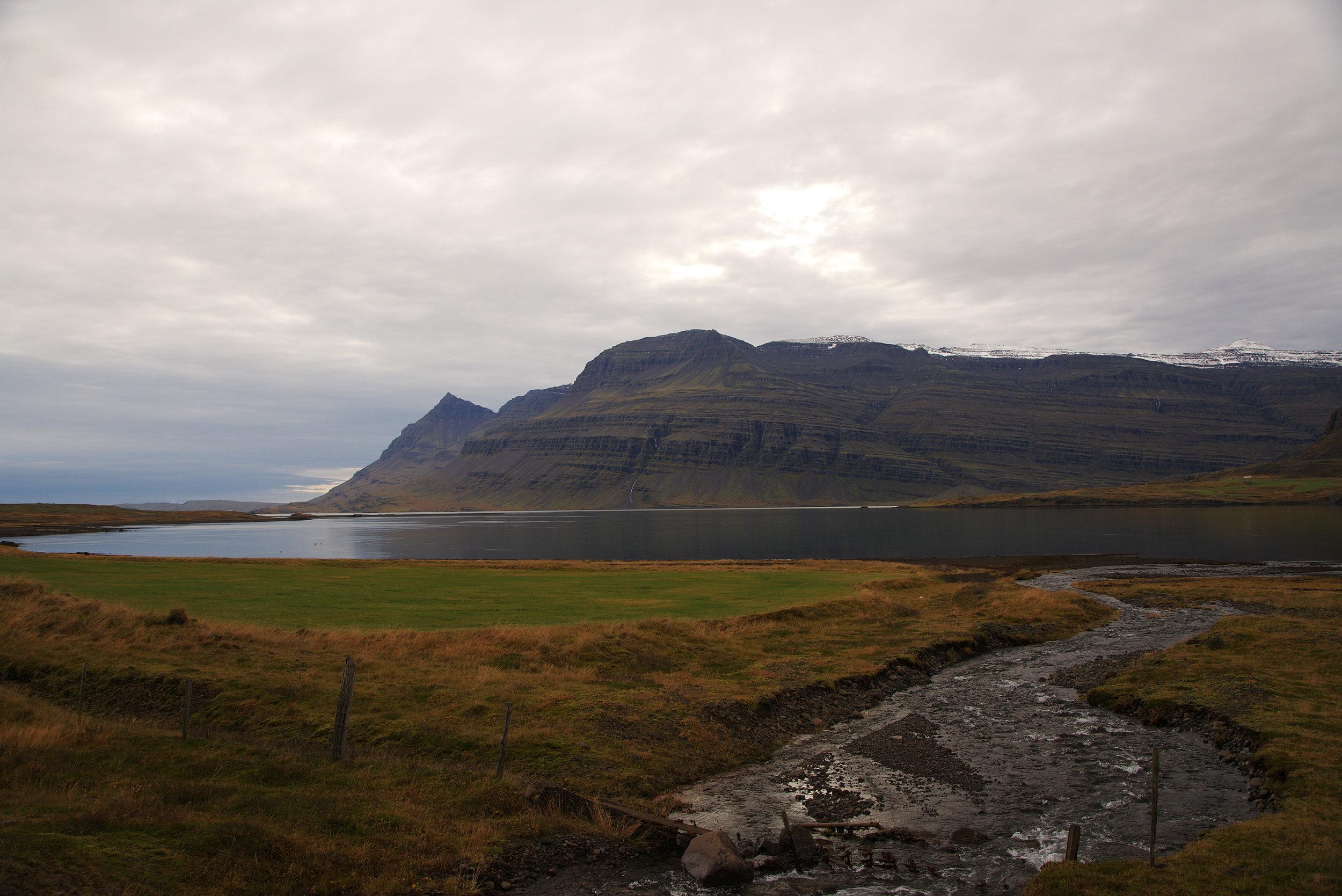 Iceland_River&Mountain.jpg