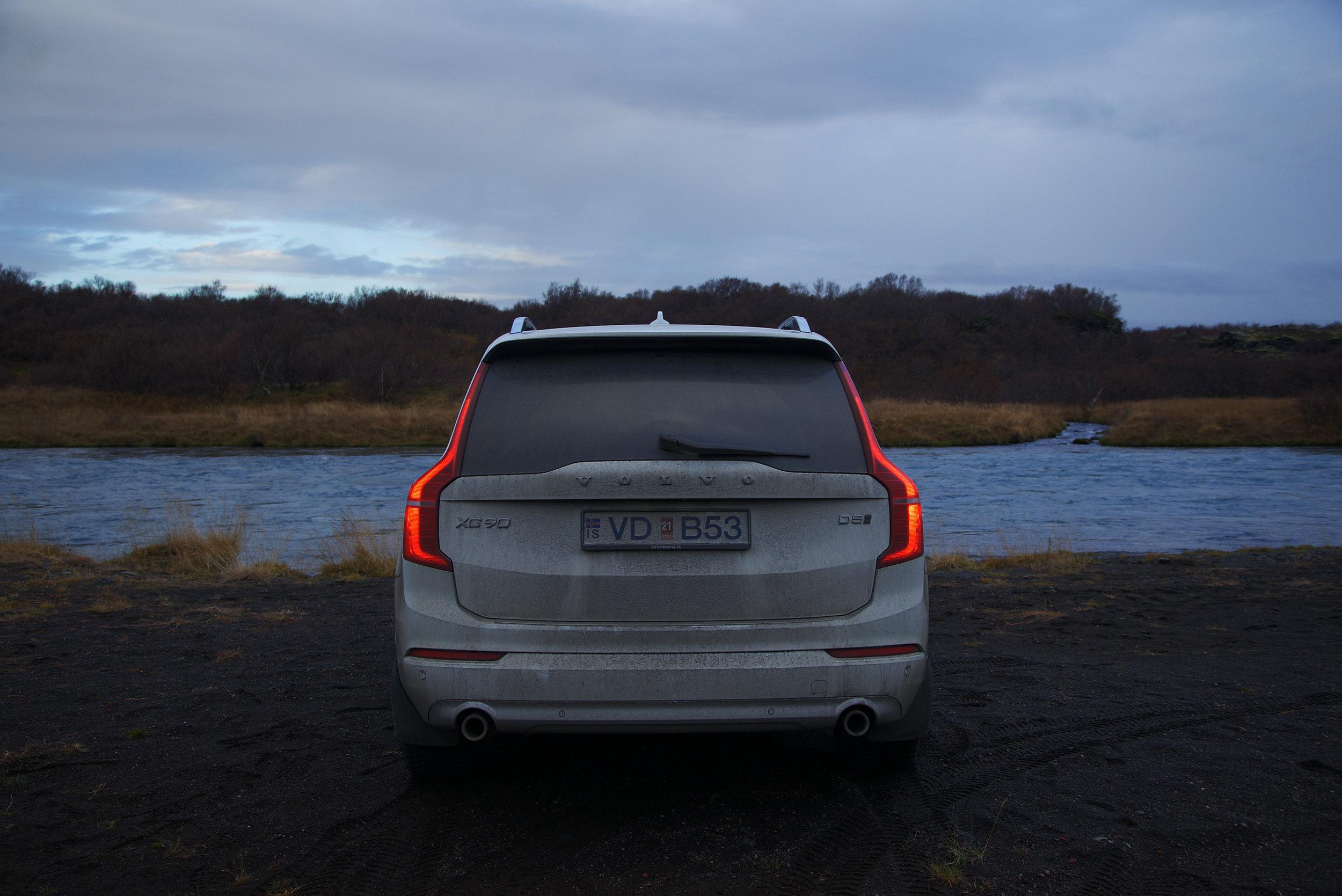 Volov_XC90_Iceland_River.jpg