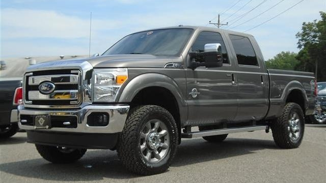 Ford F350 Super Duty Lariat Crew Cab, 6.7 Liter Turbo Diesel