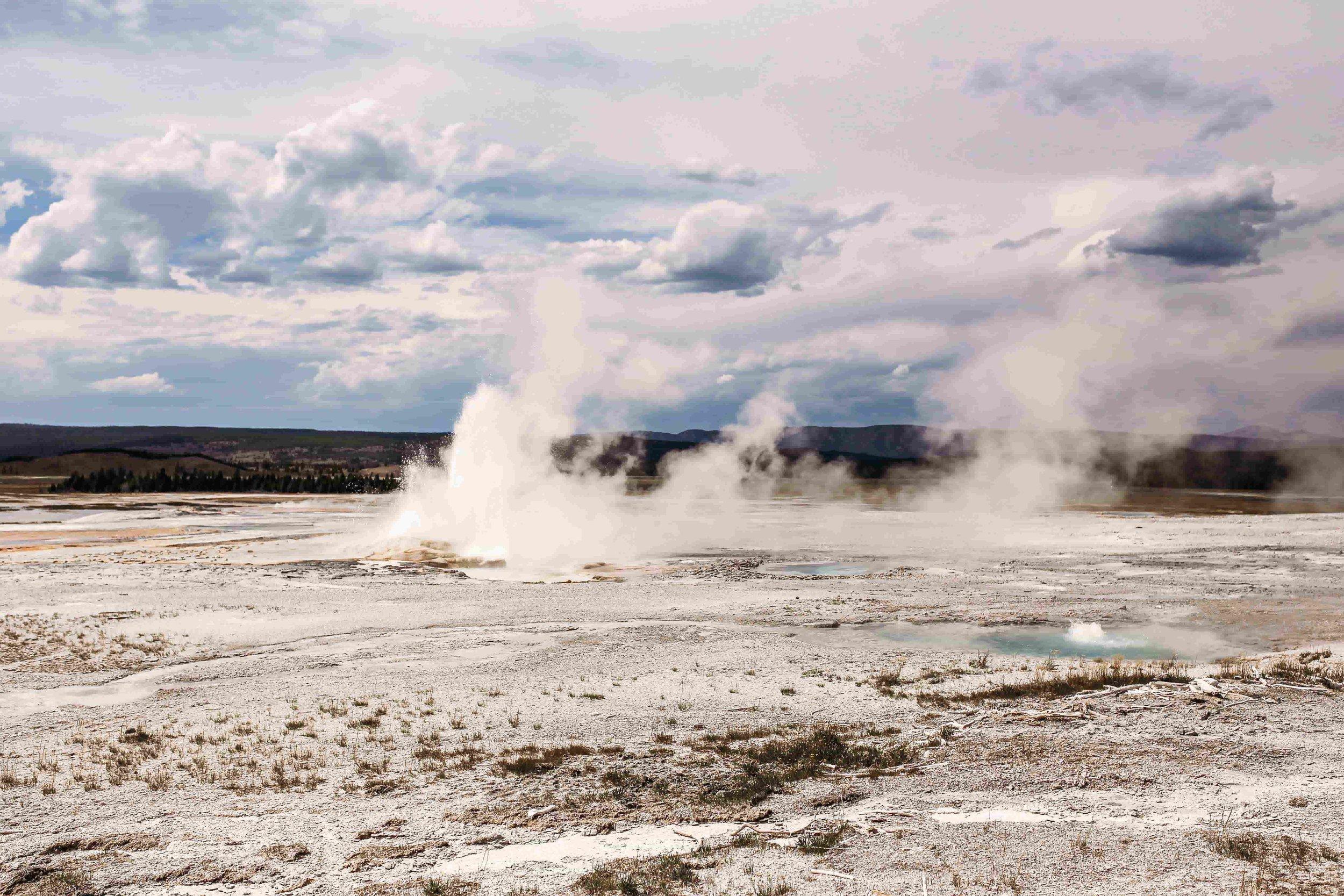 Yellowstone Gysers3.jpeg