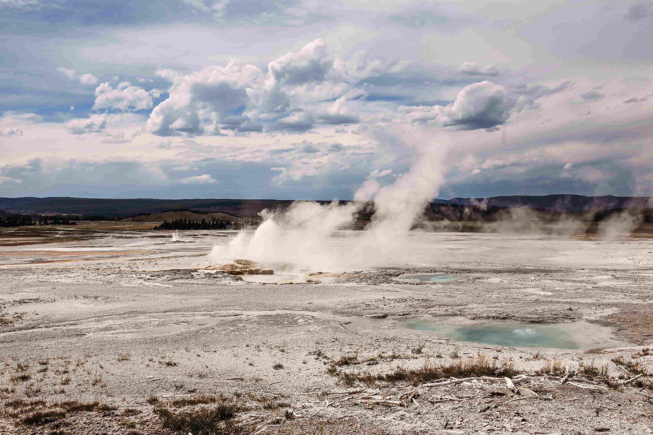 Yellowstone Gysers5.jpeg