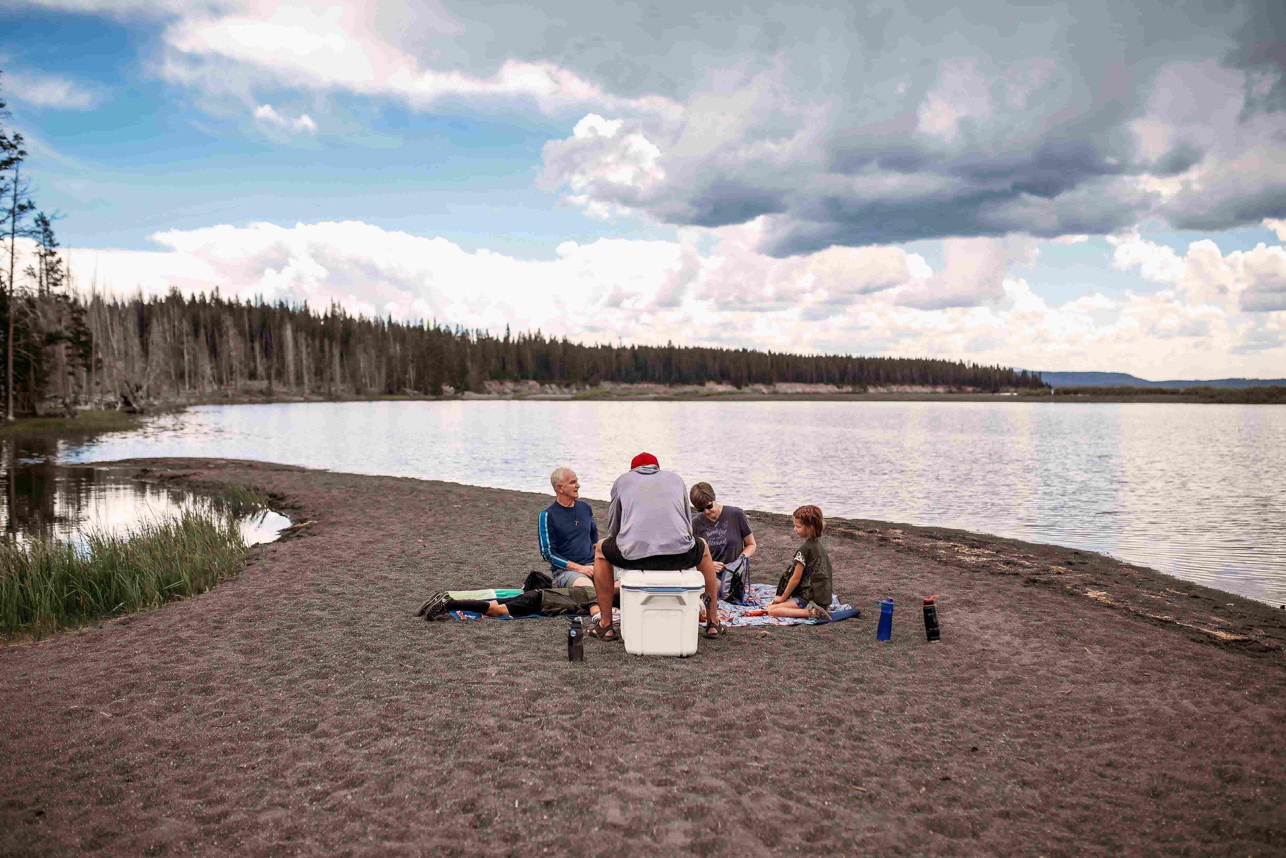 Yellowstone Lake2.jpeg