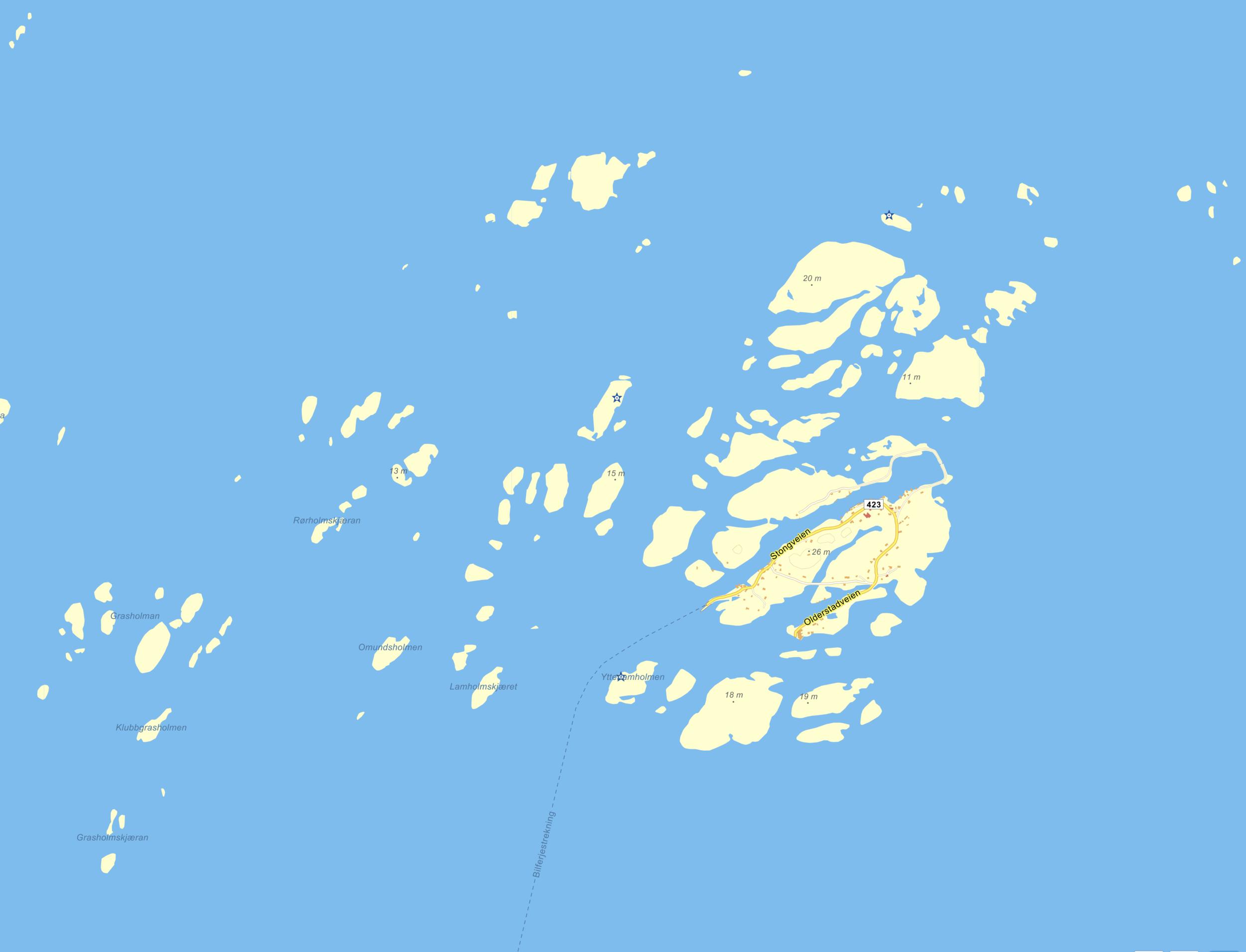 Selvær  omgitt av holmer og skjær. Dette øy- og holmelandskapet ligger på et platå som er snaue 5-10 meter under havflaten, og som hindrer at Norskehavets mektigste dønninger slår innover oss, selv når det stormer som verst.