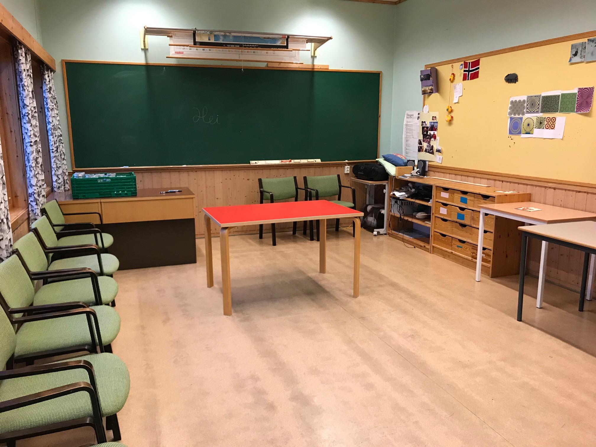 Det store klasserommet er på 40 kvm.