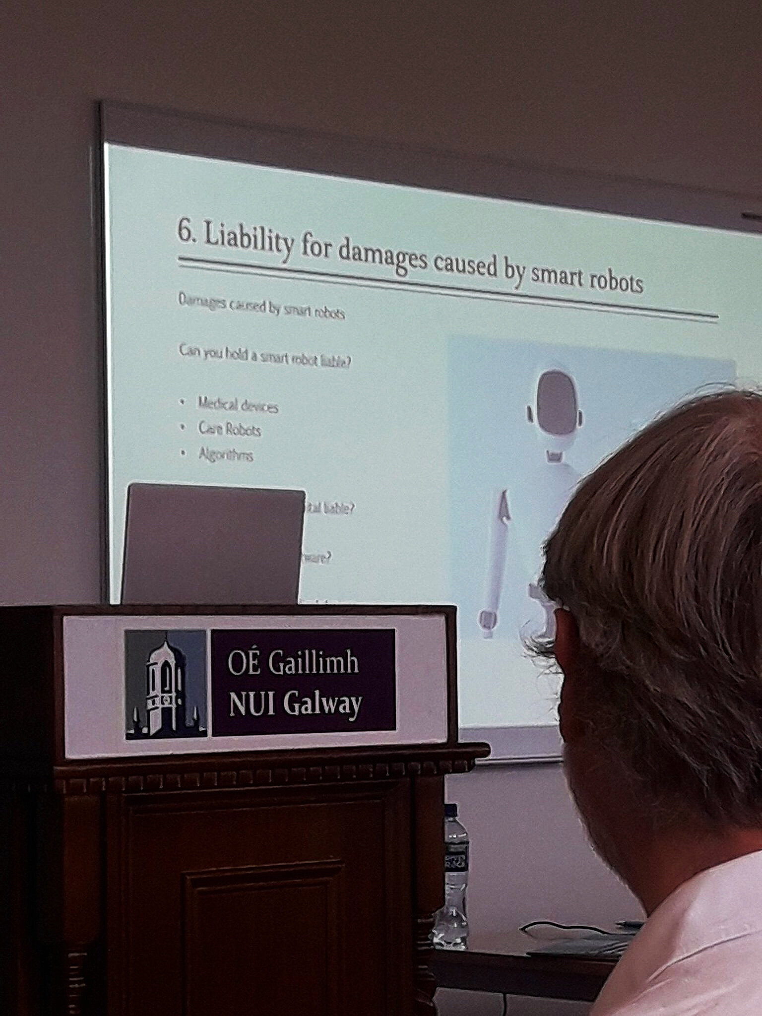 Liability  for damages caused by smart robots: who is liable for misdiagnosis by an AI algorithm? Photo by Niall Phelan