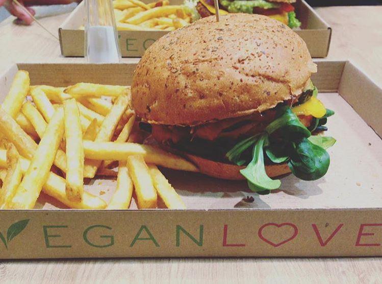 Banging vegan junk food in Budapest