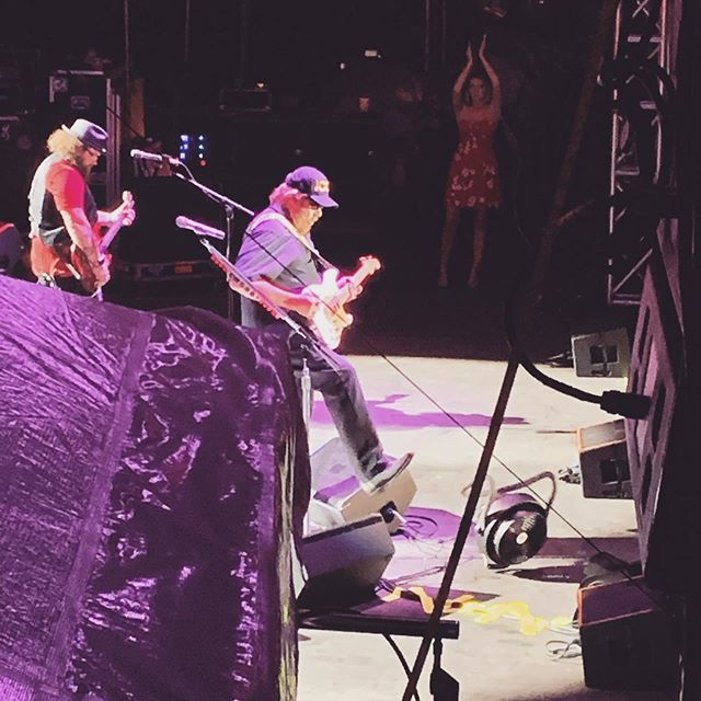Last night was incredible. Got to watch @officialhankjr do his thing for the first time. What a crowd! Thank you Robert and Oregon Jamboree for the amazing hospitality. Y'all definitely put on one hell of a show! #allmyrowdyfriends