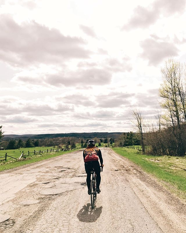 The jersey makes him look really pro. • • • • • #cycling#gravelgrinder#gravelisthenewroad#groupride#lightbro#outsideisfree#exploring#findnewroads#falliscoming#gatineaupark#quebec#exploreqc#quebecoriginal#outaouaisfun#vsco#vscocam#shotoniphone