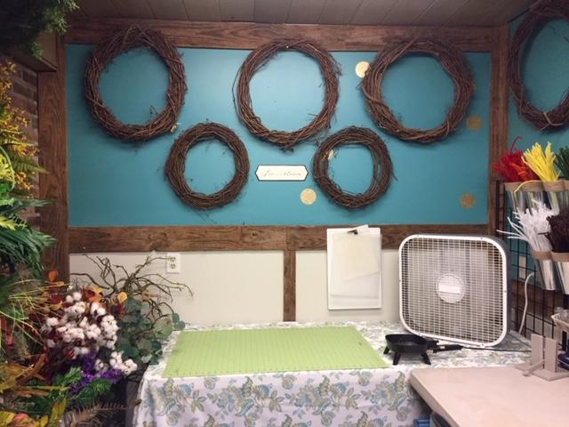 Chaos Organizing Craft Room16.JPG