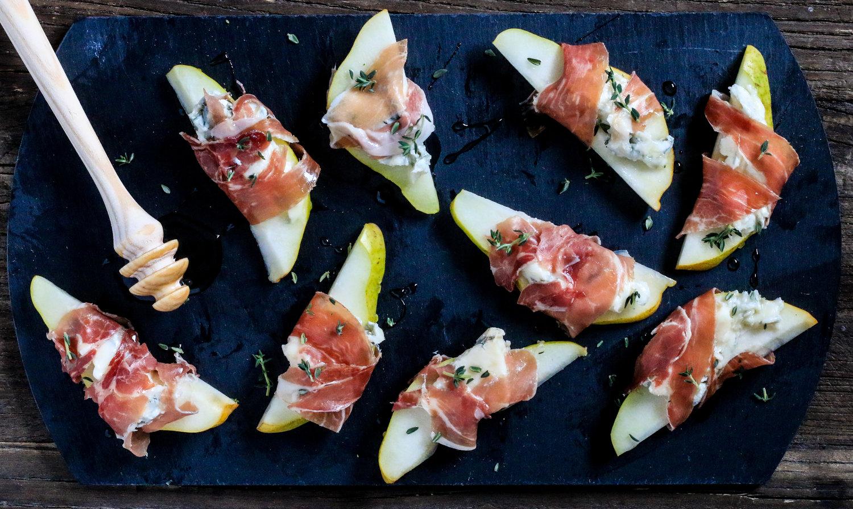 Pear Gorgonzola and Prosciutto Bites