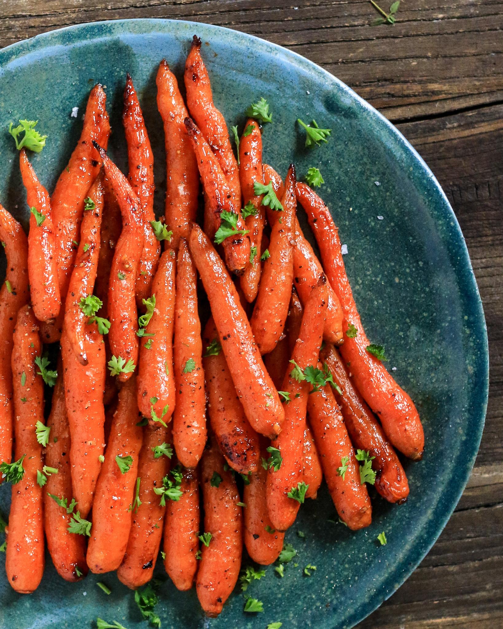 Roasted Carrots with Harissa Pomegranate Glaze