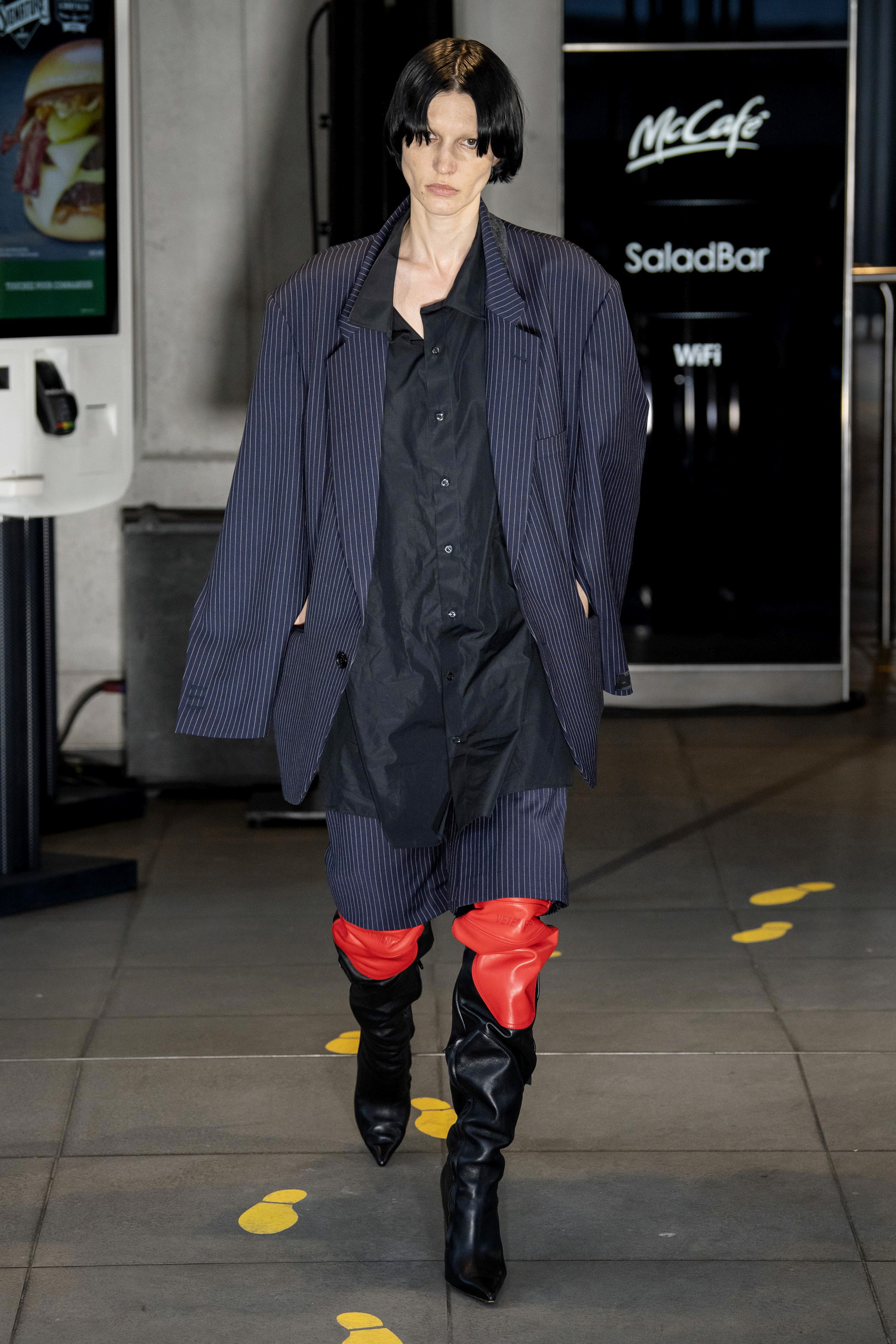 Vetements m RS20 0117.jpg