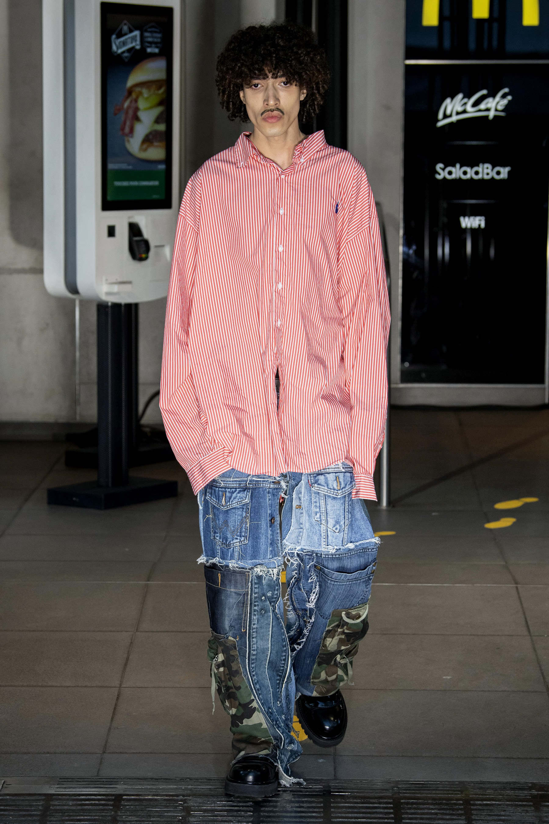 Vetements m RS20 0273.jpg