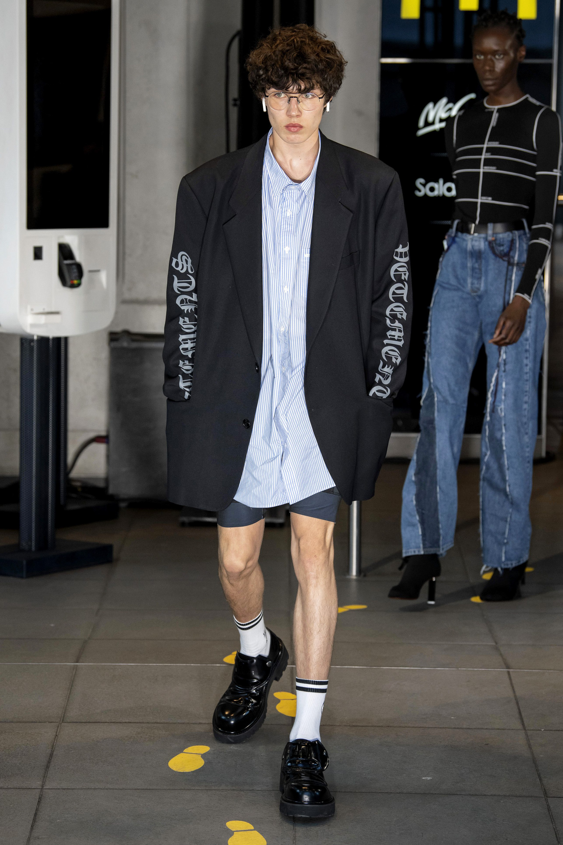 Vetements m RS20 0316.jpg