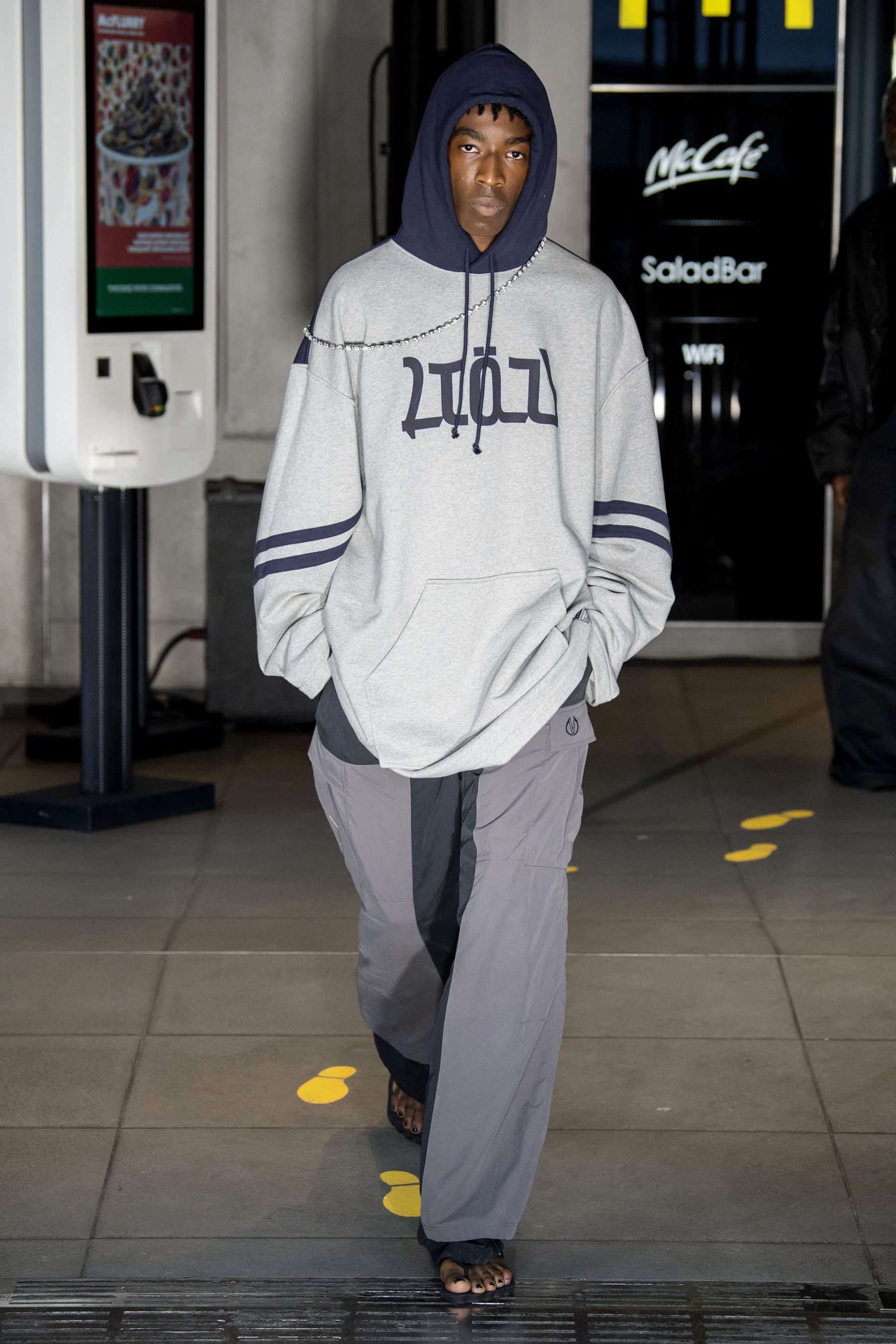 Vetements m RS20 0542.jpg
