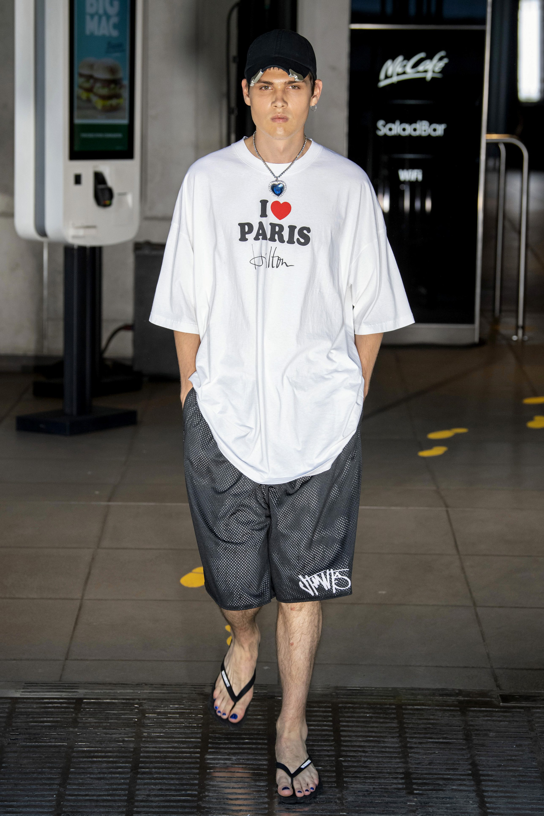 Vetements m RS20 0643.jpg
