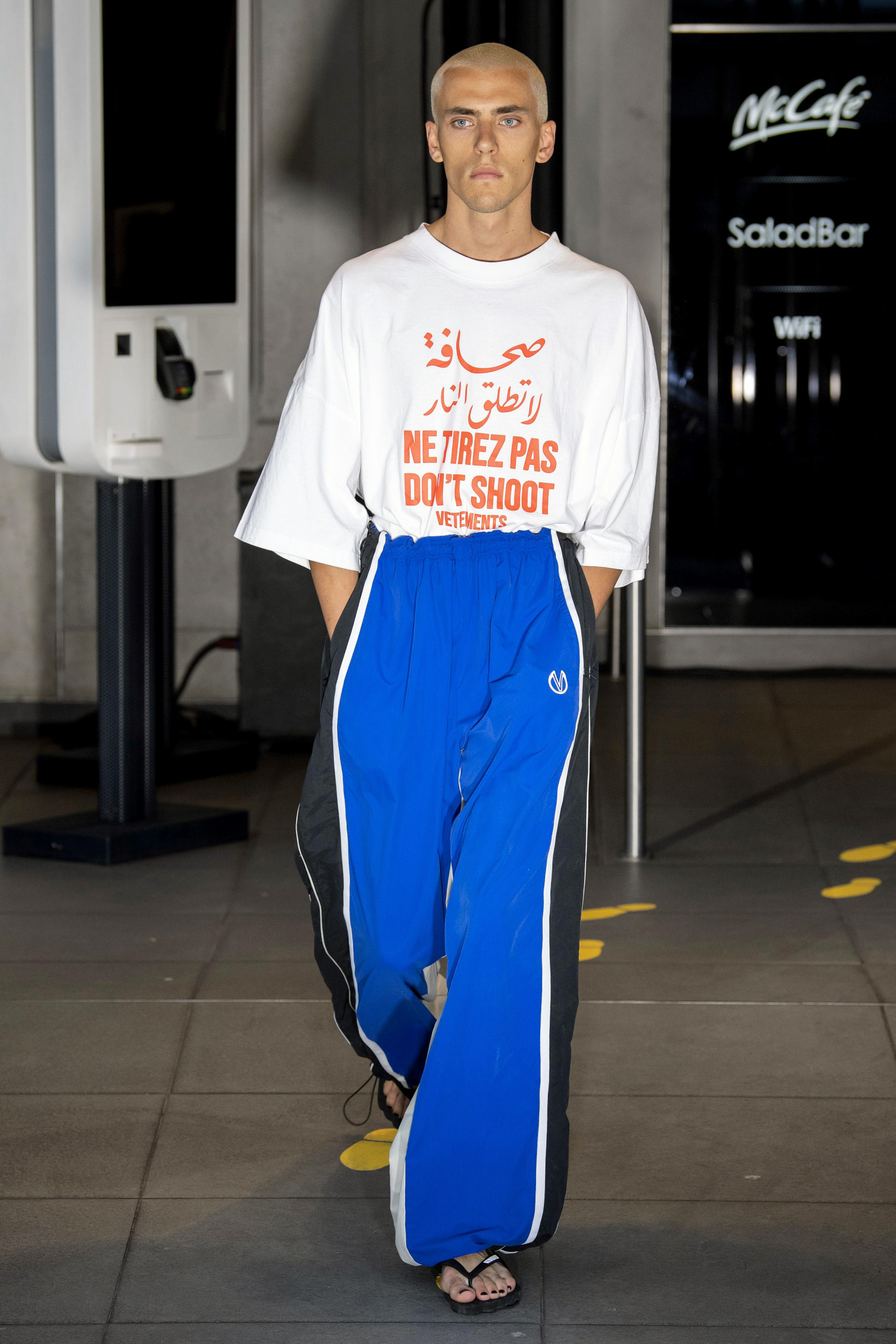 Vetements m RS20 0664.jpg