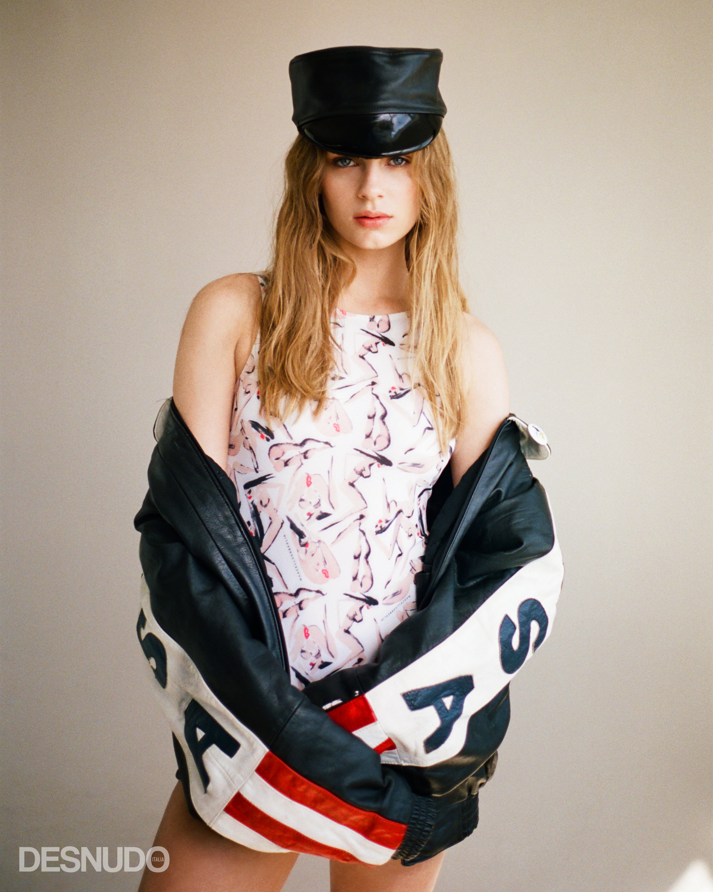 red lips bodysuit  MARCELL VON BERLIN , USA leather jacket  VINTAGE , black leather hat  SAINT GERMAINE
