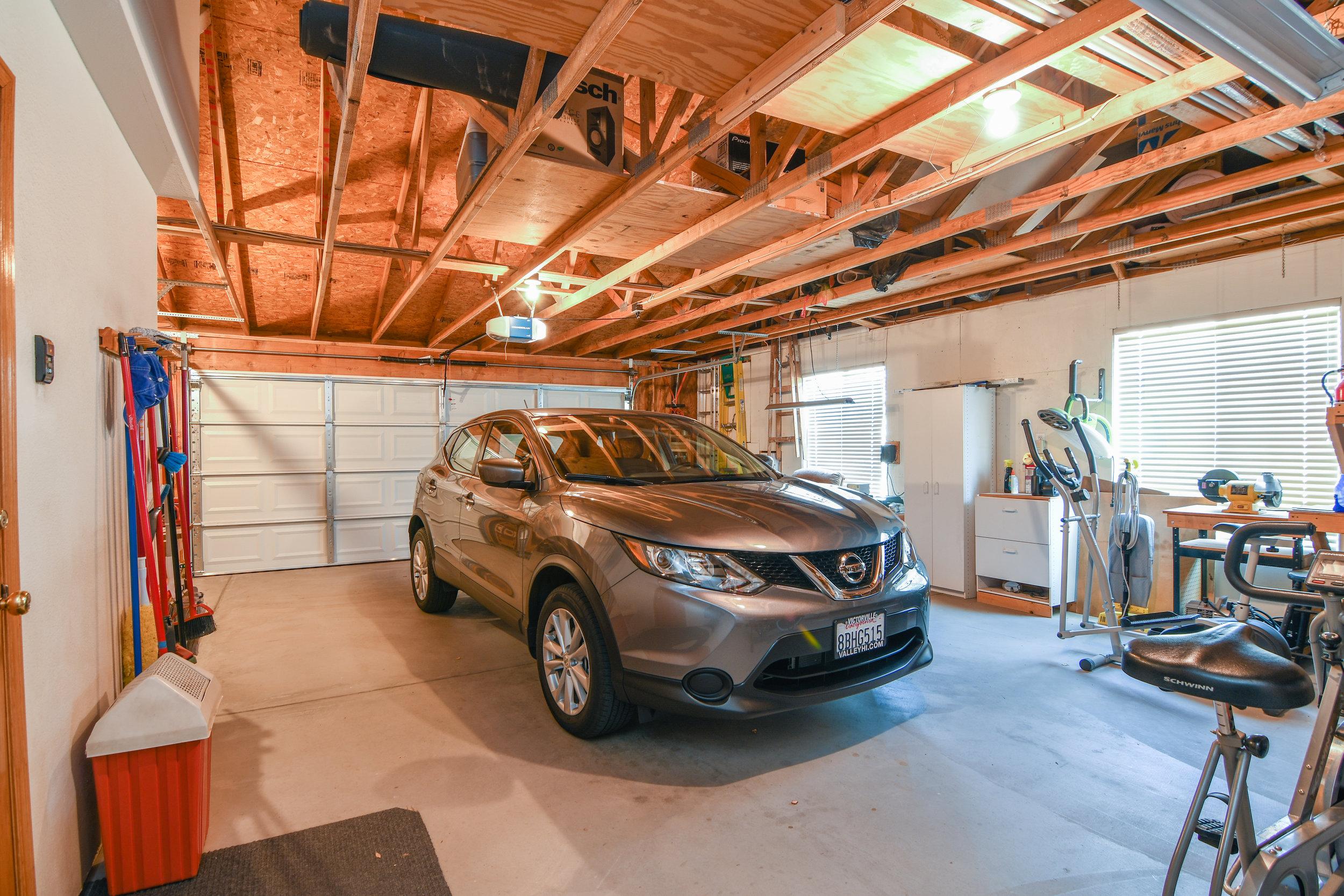 42 - Garage.jpeg