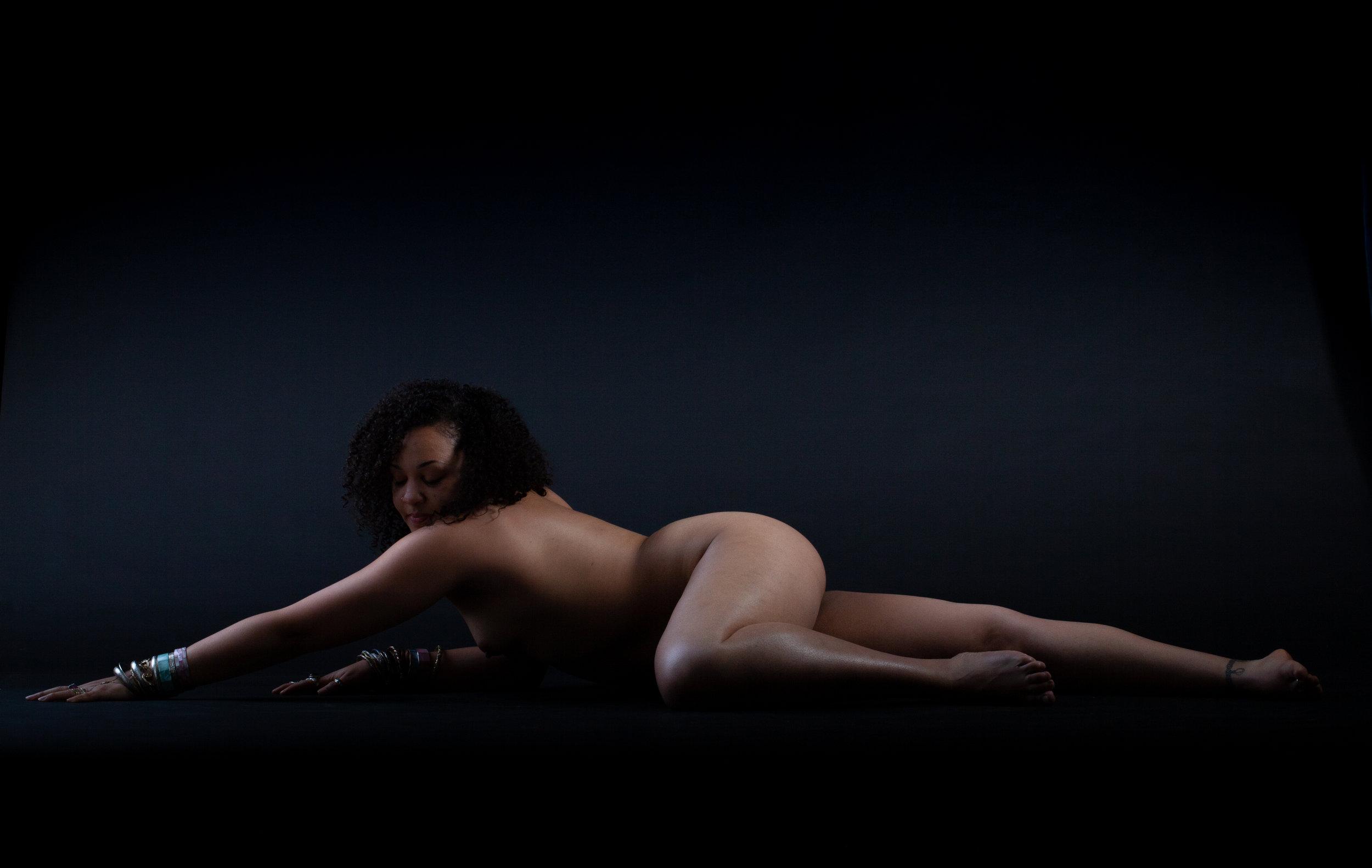 DEB-ART-20190427-IMG_2349-Danielle on the floor looking at her shoulder.jpg