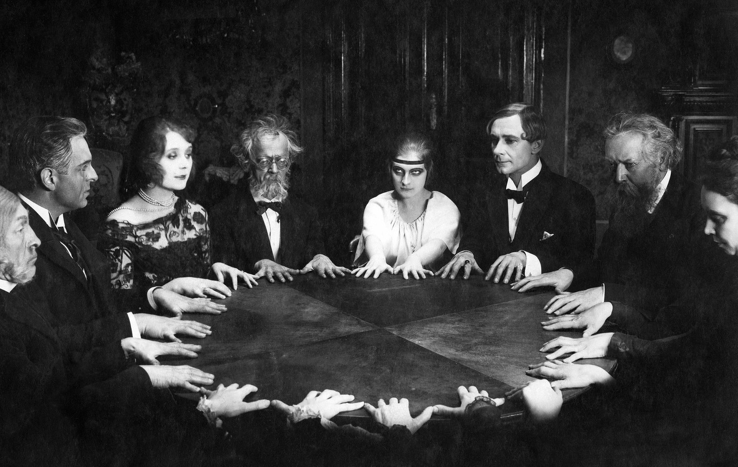 A traditional Victorian seance