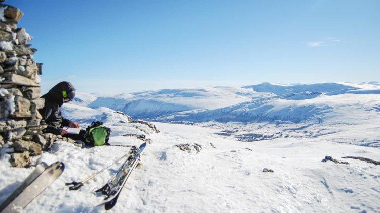 På toppen venter panoramautsikt utover Sunndal og Trollheimen.  Foto: Margrete Blokhus