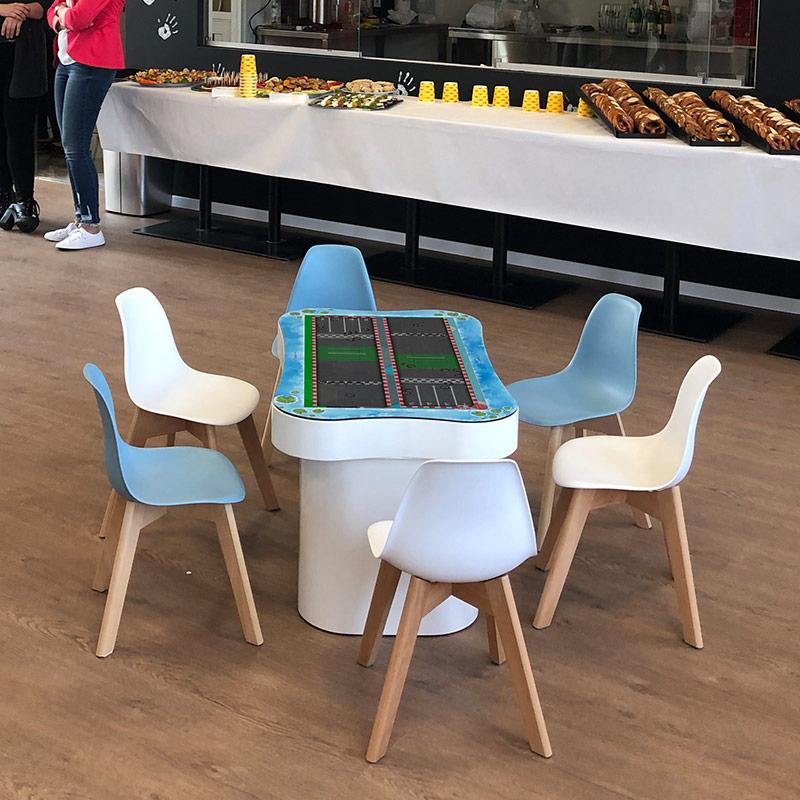 800x800-omnitapps-multi-touch-games-kids-table-yormas.jpg