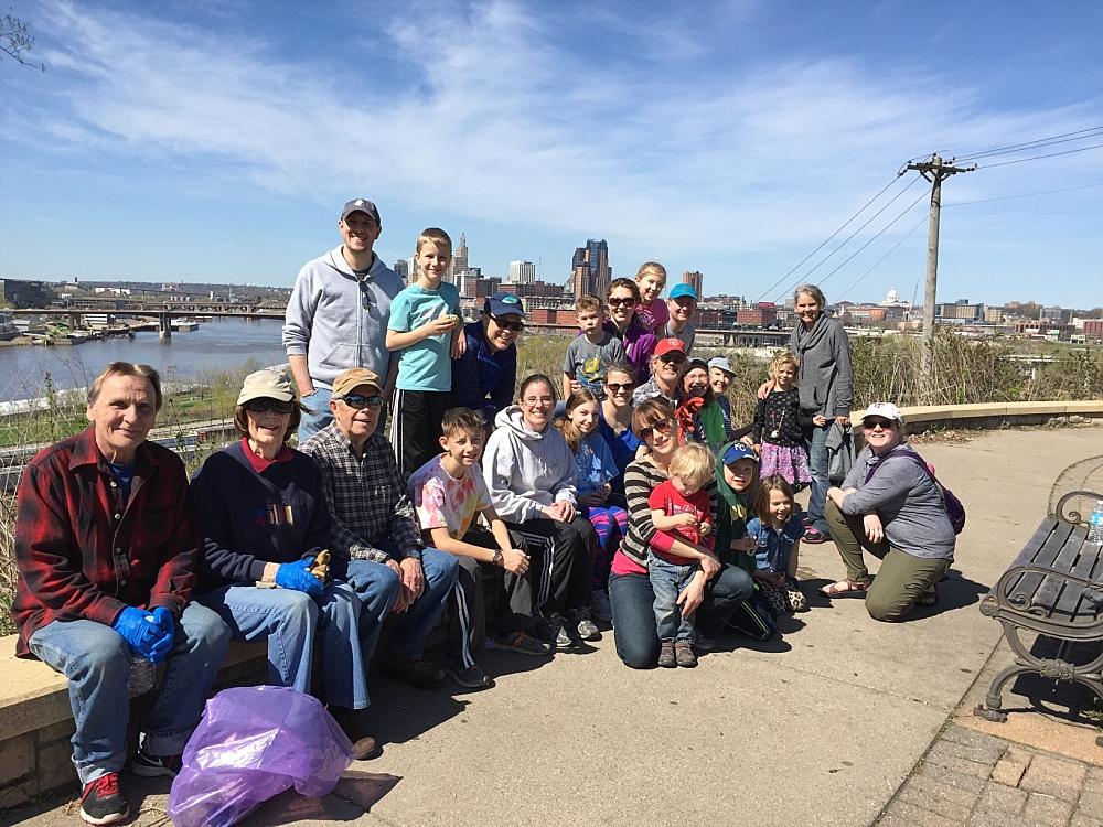 Mounds Park Clean Up Volunteers