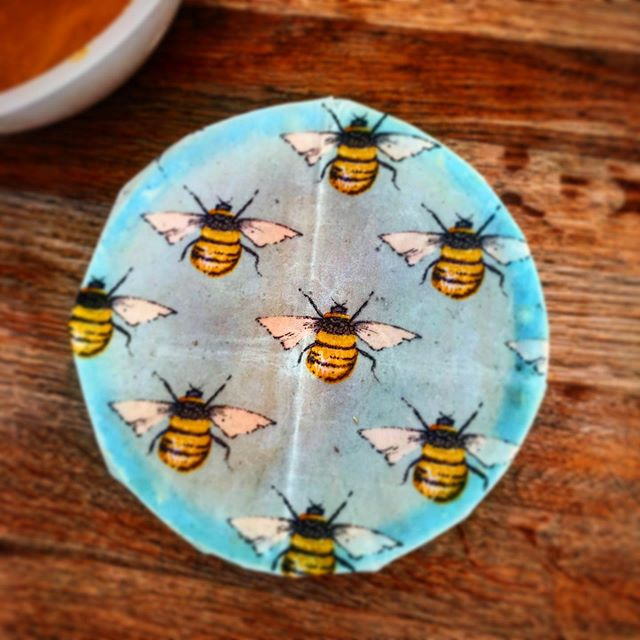 Making good use of my velvet's beeswax wrap donated yesterday for the raffle Macmillan coffee morning from @velvetcooper  They work great !!! For paking your sandwich , covering food in the fridge , etc etc  And is plastic free  Merci 🙏 . . . #wrap  #beewraps  #local #hitchin #local #share #bees🐝  #beewax  #flowers #notplastic  #plasticfreeforthesea  #saturday