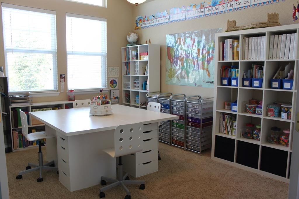 kids homeschool room.jpg