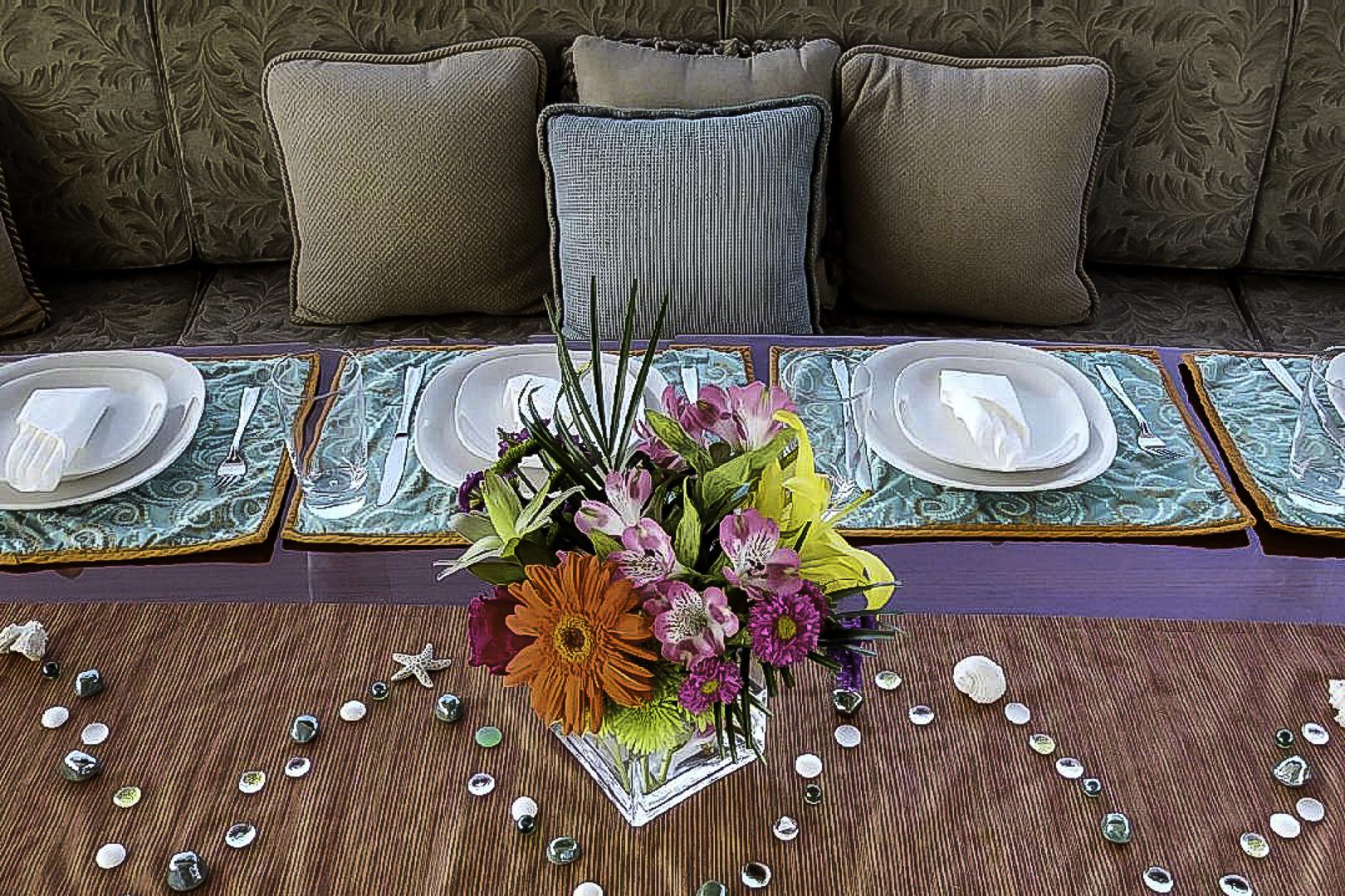 Prestige-Lady-Aft-Dining-2.jpg