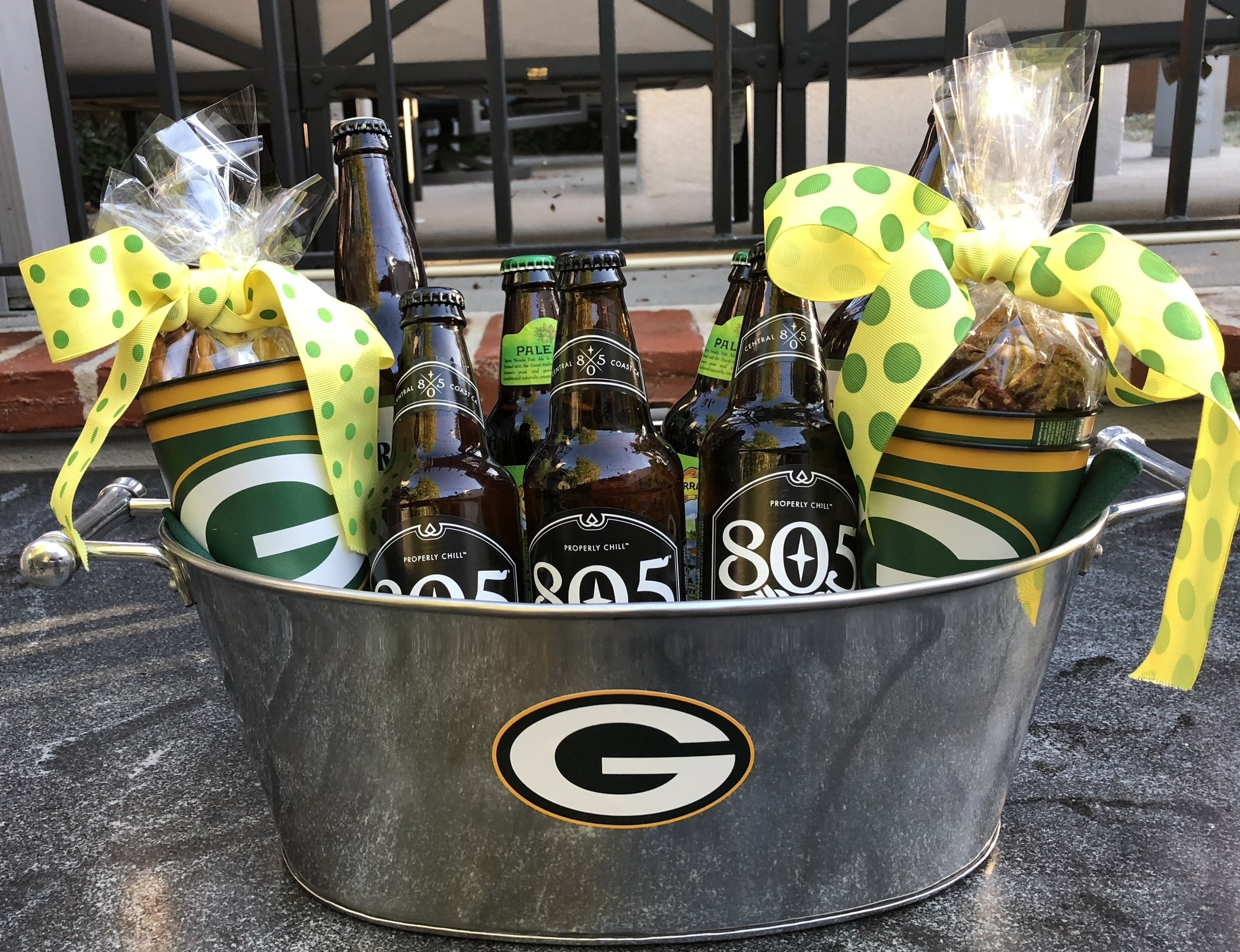 Pick a team and you have a holiday gift that is ready for the big game.
