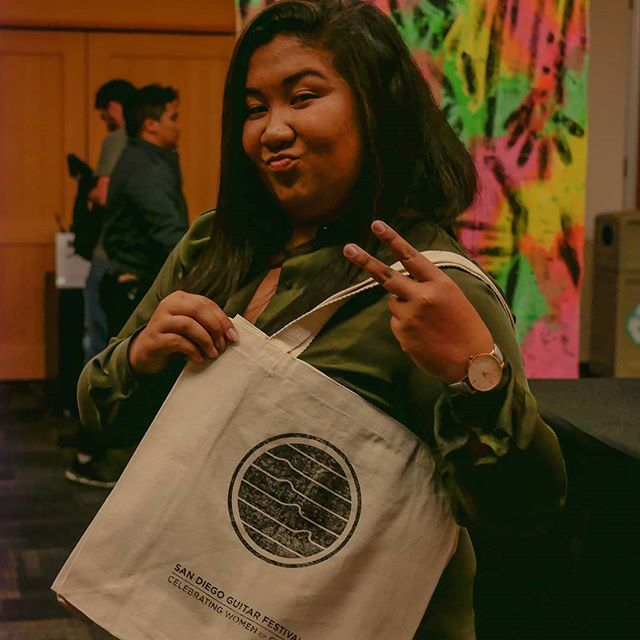 Get your exclusive, limited edition 2019 merch during all concerts; designed and printed on the spot by SDGF Art Director Hannah Olson @goldcarpediem and @single.edition 😎 We got totes, unisex @nextlevel.apparel triblend t-shirts, women's tank tops, and pint glasses!!