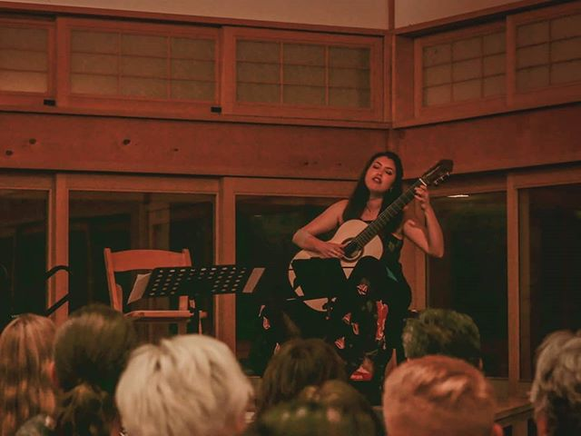 Alexandra Iranfar @alexandra.iranfar closed our 2019 festival with a sold-out concert!! 👏 Her program featured all voice and guitar repertoire, including Variations on Lullaby by Sergio Assad for two guitars. Filling in for that second guitar was none other than Thomas Viloteau!⌚🇫🇷 @thomasviloteau Following the concert, a craft beer reception sponsored by our friends and local luthiers, Len Laviolette and Paul Micheletti, made our closing concert even more awesome! 👊🍻🎉 📷: @tskullkid