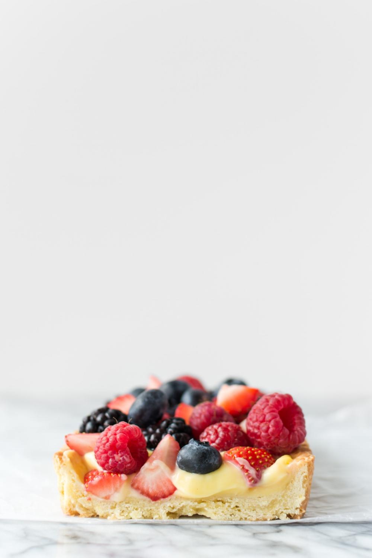 white balsamic tart with fresh berries