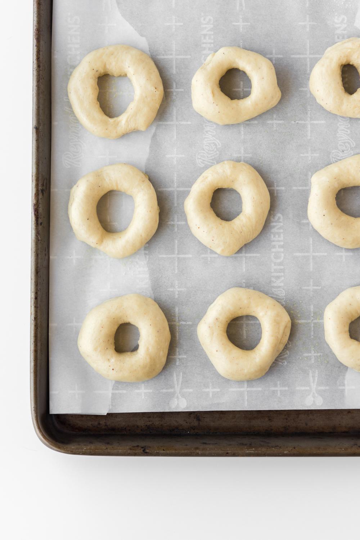 how to shape doughnuts.jpg