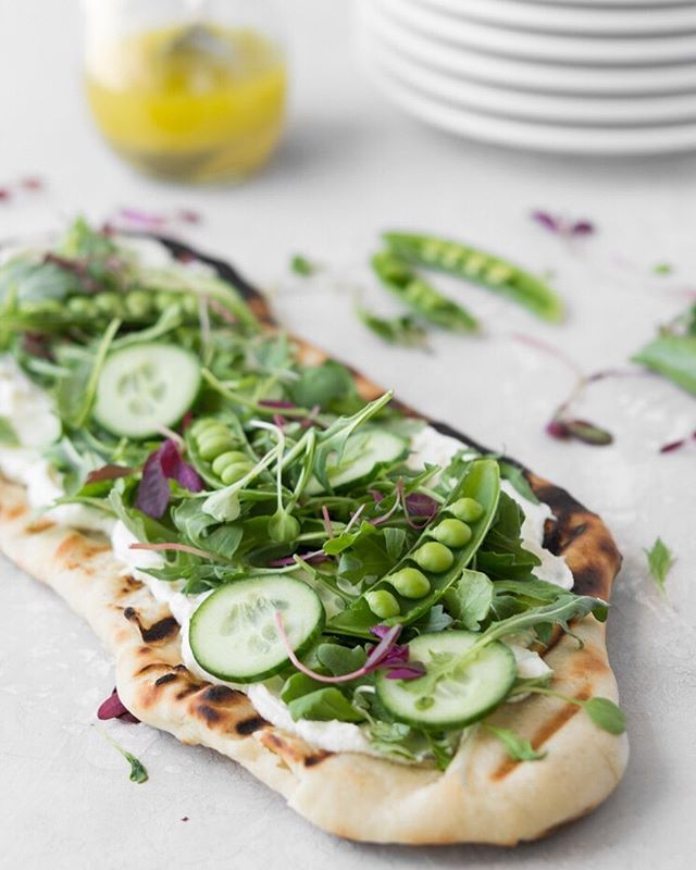 I'm sharing the most delicious spring flatbread on the blog today: chewy charred flatbread + sweet creamy ricotta + peppery greens + crunchy vegetables ⠀⠀⠀⠀⠀⠀⠀⠀⠀ ⠀⠀⠀⠀⠀⠀⠀⠀⠀ get the recipe below! www.withspice.com/blog/grilled-flatbread-with-ricotta-arugula-and-peas ⠀⠀⠀⠀⠀⠀⠀⠀⠀ #f52grams #foodandwine #imsomartha #fwx #lifeandthyme #feedfeed #bhgfood #forkyeah #forkfeed #buzzfeast #huffposttaste #epicurious #foodwinewomen #realfood #foodblogfeed #spoonfeed #thekitchn #saveurmag #foodtographyschool #bareaders #shareyourtable #realsimple #inseasonnow #makeitdelicious #foodstyling #commontable #vscofood #tastespotting #foodie_features #gatheringslikethese @williamssonoma @bobsredmill @foodblogfeed @thefeedfeed