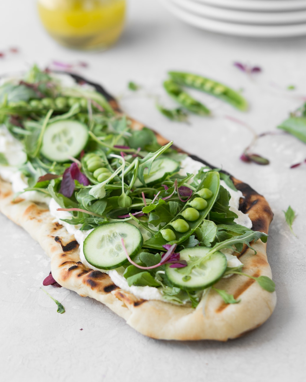 grilled+flatbread+with+ricotta%2C+arugula+and+peas